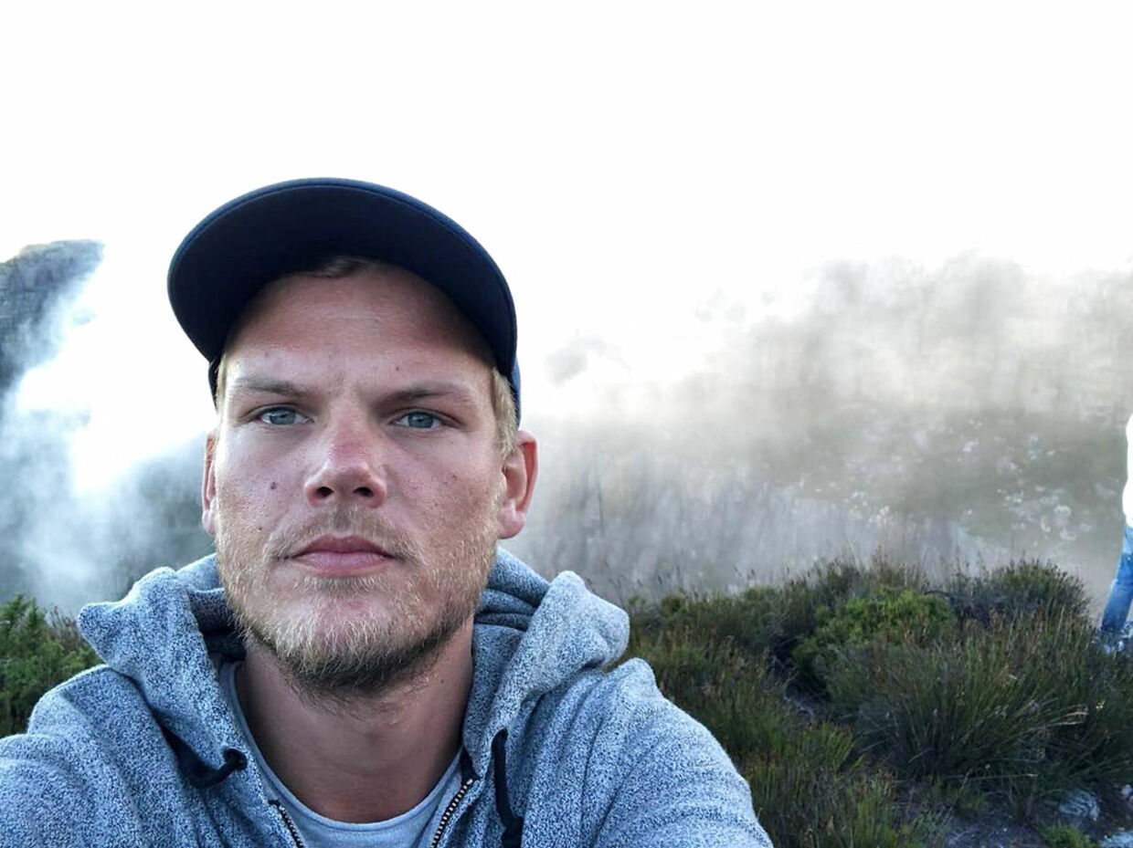 Swedish musician, DJ, remixer and record producer Avicii (Tim Bergling) takes a selfie on Table Mountain, South Africa in this picture obtained from social media January 11, 2018. Instagram/Avicii via REUTERS THIS IMAGE HAS BEEN SUPPLIED BY A THIRD PARTY. MANDATORY CREDIT.NO RESALES.NO ARCHIVES