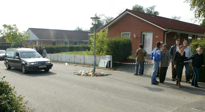 Foran hjemmet i Aars blev der dengang taget en følelsesladet afsked med Alonso.