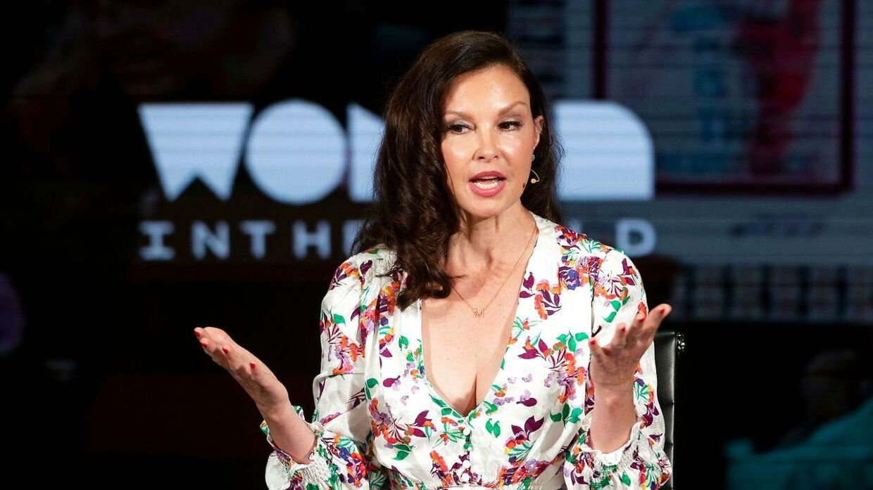 Skuespillerinde Ashley Judd talwer ved  den tiende  Women In The World Summit i New York. (Photo by Johannes EISELE / AFP)