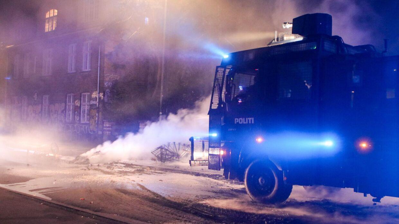 Politiet på Christiania sent søndag aften.