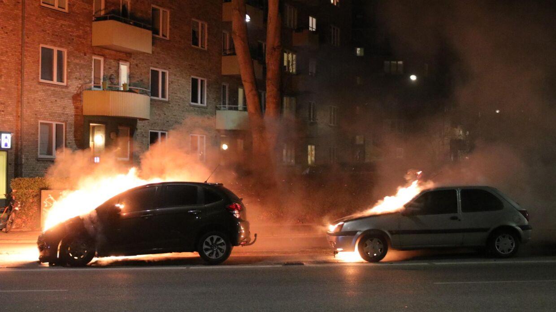 Biler i brand på Tagensvej på ydre Nørrebro.