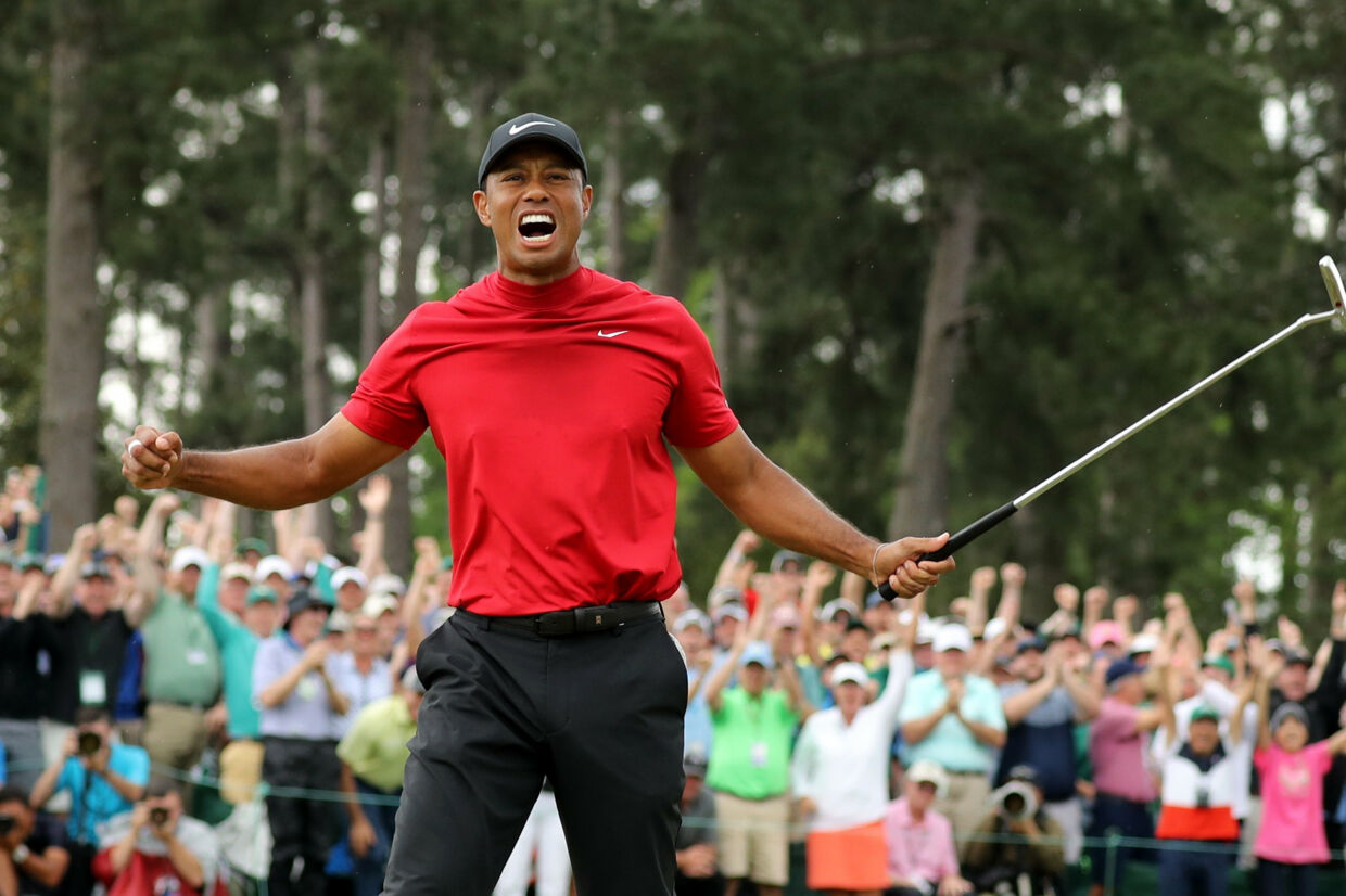 Tiger Woods efter at han hullede bolden på 18. hul på Augusta National Golf Club i Augusta i USA 14. april og vandt US Masters 2019. Lucy Nicholson/Reuters