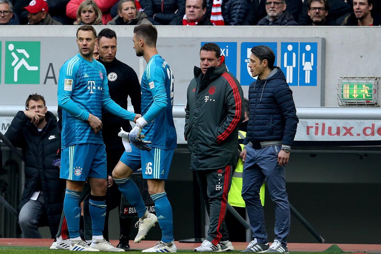 Manuel Neuer blev udskiftet kort efter pausen, da Bayern München slog Fortuna Düsseldorf på udebane. Ronny Hartmann/Ritzau Scanpix