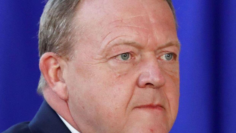 (Arkifv I en livesending på facebook tager statsminister Lars Løkke Rasmussen afstand fra »Paludans meningsløse provokationer« (Foto: YVES HERMAN/Ritzau Scanpix)