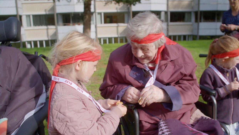 Magda Rebbe fik gnisten tilbage i blikket i mødet med børnene.