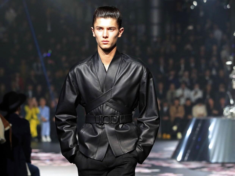 Prins Nikolai på catwalken for mærket Dior i 2019 i Japan.