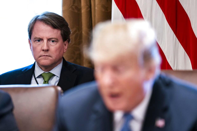 ARKIVFOTO af Don McGahn og Donald Trump.