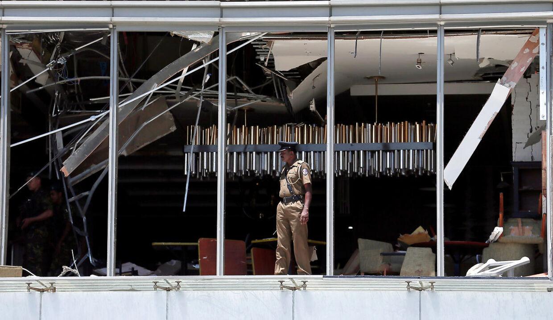 Hotellet er tomt efter eksplosionenerne søndag. REUTERS.