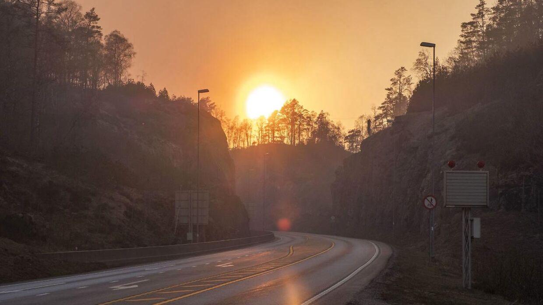 Der er skovbrand i det sydlige Norge. Blandt andet her mellem Lyngdal og Kvinesdal.