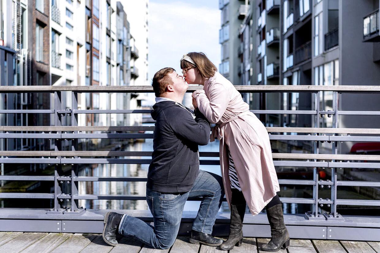»Jeg elsker hende, og jeg vil passe på hende. Jeg elsker min kone,« siger Christian om Sidsel.