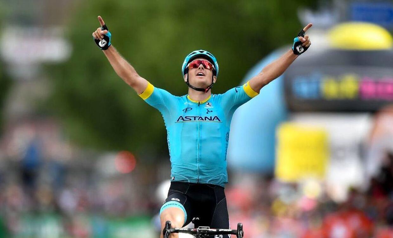 Jakob Fulgsang jubler over karrierens største sejr i form af Liège-Bastogne-Liège. Han er den første danske vinder af et af cykelsportens fem monumenter siden Rolf Sørensens sejr i Flandern Rundt i 1997.