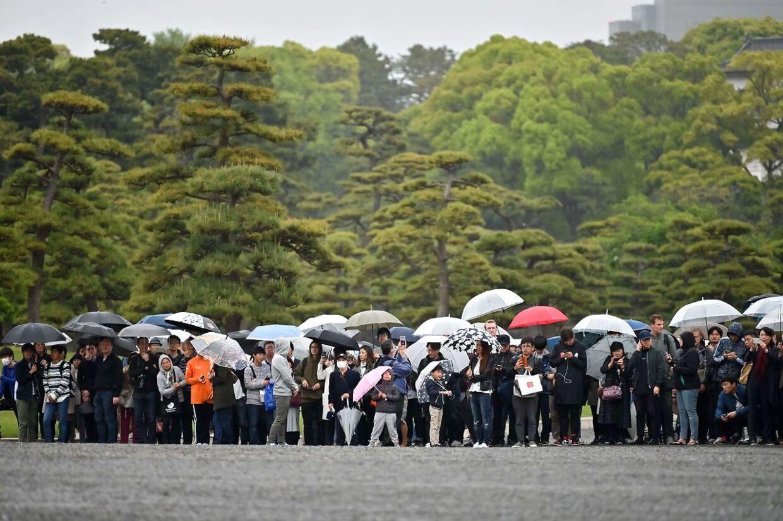 Japanerne har fået 10 dages ferie i forbindelse med kejserskiftet.