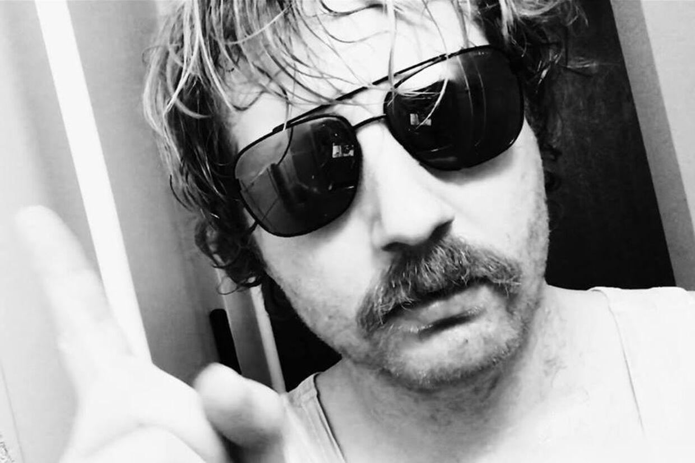 Instruktør og manuskriptforfatter Søren Grinderslev Hansen stiller op for Rasmus Paludans parti, Stram Kurs.