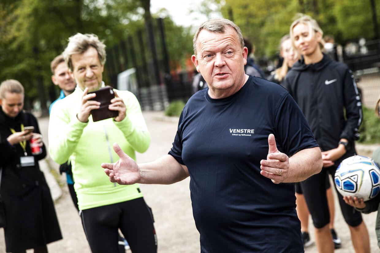FV19: Statsminister Lars Løkke Rasmussen og finansminister Kristian Jensen på løbetur i København, onsdag den 8. maj 2019.De løber 5 km med løbeklubben Sparta i roligt tempo.. (Foto: Olafur Steinar Gestsson/Ritzau Scanpix)