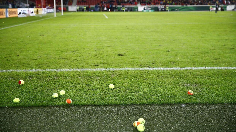 Dortmund-fansene protesterede tirsdag aften over de stigende billetpriser.