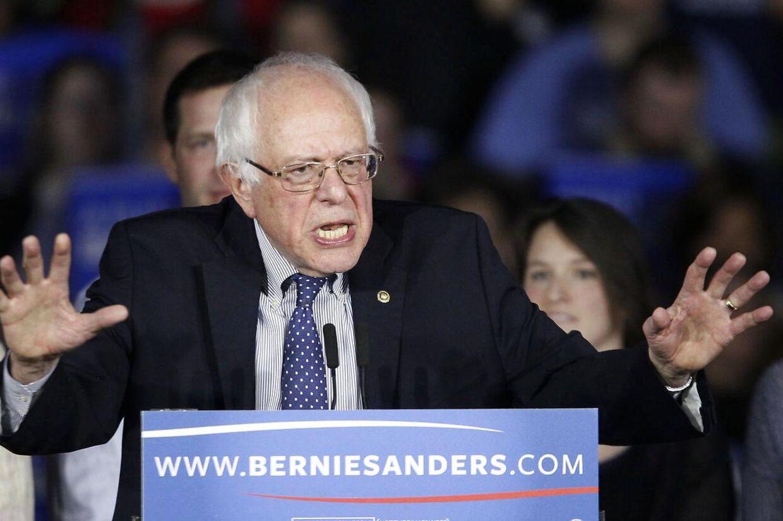 Nattens demokratiske vinder blev den 74-årige Bernie Sanders. Den forhenværende senator fra staten Vermont vandt med 58 procent af stemmerne. Hillary Clinton fik godt 40 procent.