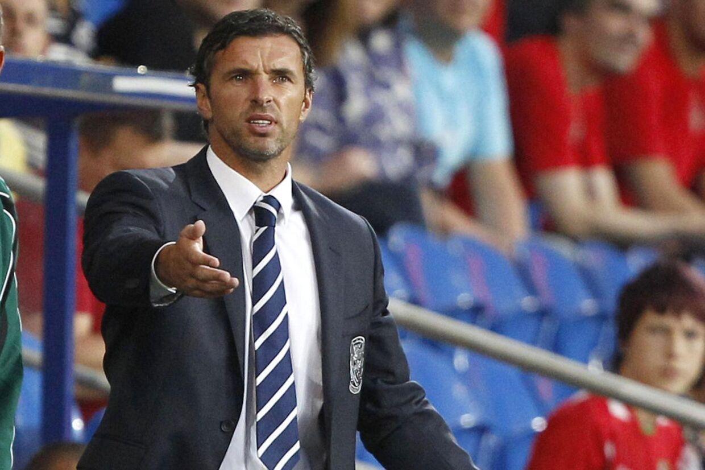 Wales' landstræner Gary Speed har valgt at tage sit eget liv.