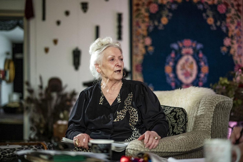 »Det er en tvangsdeportation. Anderledes kan det ikke siges. Det er nøjagtig det samme som i DDR, hvor jeg voksede op. Her i Danmark kalder man det bare noget andet. Men det er en deportation, vi bliver udsat for,« siger Hanne Fuhr.