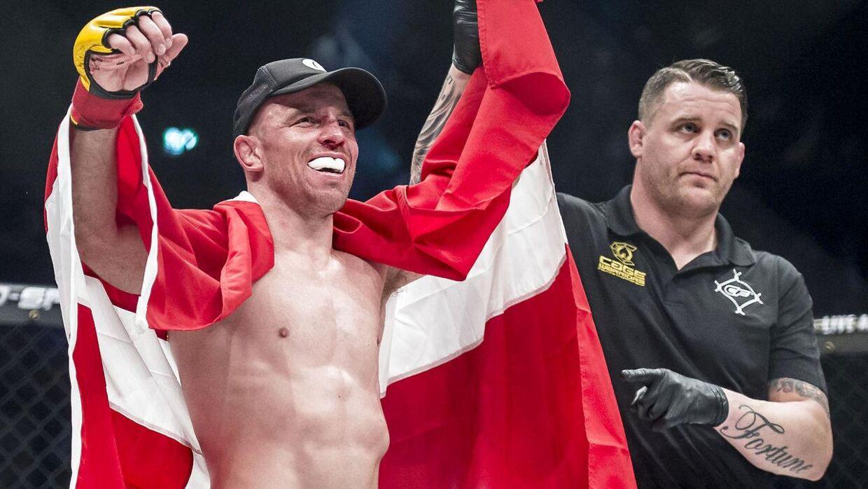 Mark O. Madsen vandt sin seneste kamp ved 'Cage Warriors' i KB Hallen.