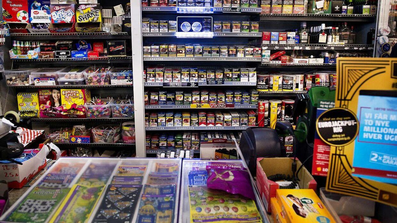 Otte ud af ni kiosker fik en påtale under en omfattende aktion tirsdag. Syv af dem kunne ikke dokumentere, hvor de havde købt deres varer.