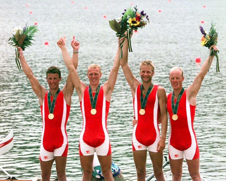 Guldfireren – Victor Feddersen, Eskild Ebbesen, Thomas Poulsen og Niels Henriksen – ved præmieoverrækkelsen på Lake Lanier nær Atlanta ved OL 1996.