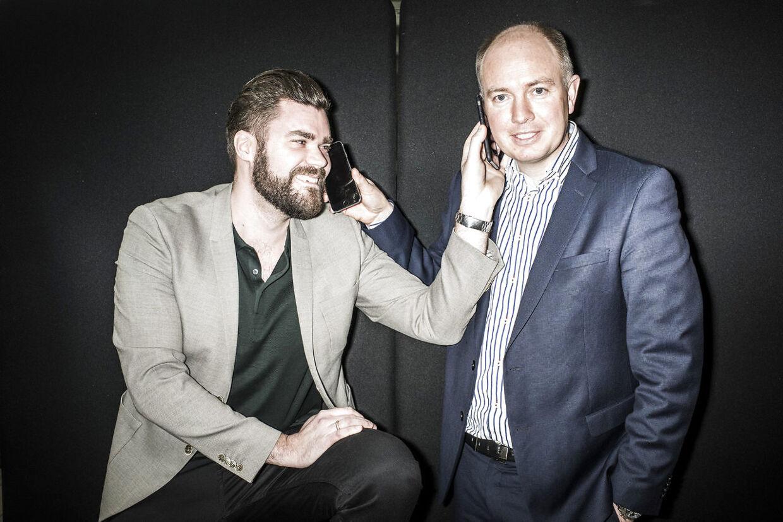 Peter Mægbæk (th.) og Morten Strunge (tv.) solgte senest Plenti til TDC for 74 millioner kroner i 2017. Peter Mægbæk har tidligere været med til at starte og sælge Fullrate. Morten Strunge startede Onfone og solgte det til TDC. Nu forsøger Peter Mægbæk sig med bredbåndsfirmaet Fastspeed.