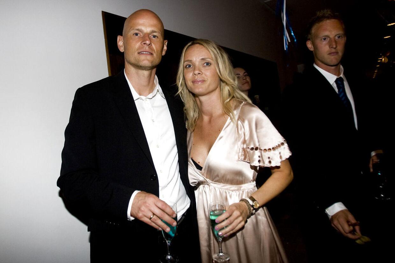 Ståle Solbakken og fru Anniken til guldfest i 2009.