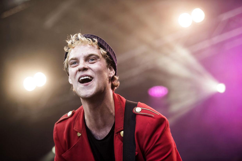 Hjalmer Larsen overtager Hugo Helmigs koncert i Tivoli friheden i Århus den 17. maj.