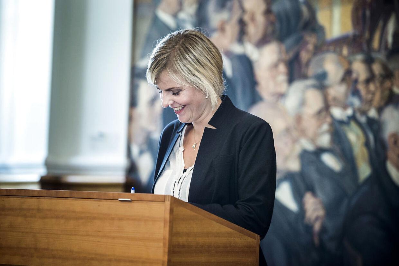 Merete Dea Larsen kan ifølge Lars Trier Mogensen i værste tilfælde vinke farvel til sin plads i Folketinget