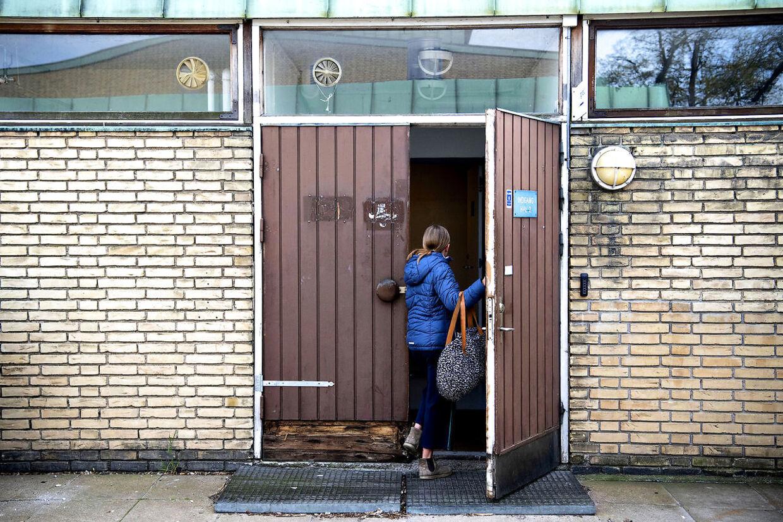 Indgangen til hal 2, hvor blandt andet Håndboldklubbens Frejas U10-piger spiller.