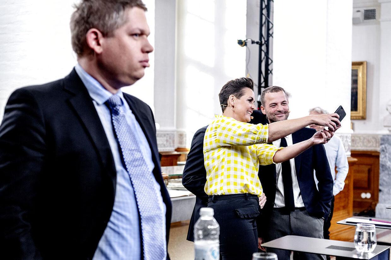 Tirsdag den 7. maj 2019 udskrev statsminister Lars Løkke Rasmussen (V) folketingsvalg til afholdelse den 5. juni 2019. Her er det Rasmus Paludan og de øvrige partiledere inden den første partilederrunde.