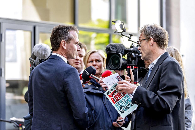 Næstformand i Venstre Kristian Jensen blev torsdag formiddag konfronteret med spørgsmål om arvefølgen i Venstre, som Lars Løkke Rasmussen samme dag genåbende i samtalebogen 'Befrielsens øjeblik'.