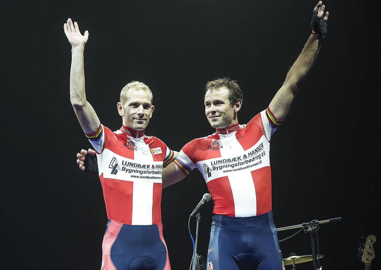 Alex Rasmussen ses her sammen med Michael Mørkøv - hans faste par nummer syv-makker - under seksdagesløbet i København i 2014.