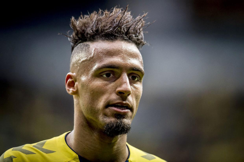 Hany Mukhtar har længe været på vej væk fra Brøndby. Nu vil klubben beholde ham i endnu en sæson.