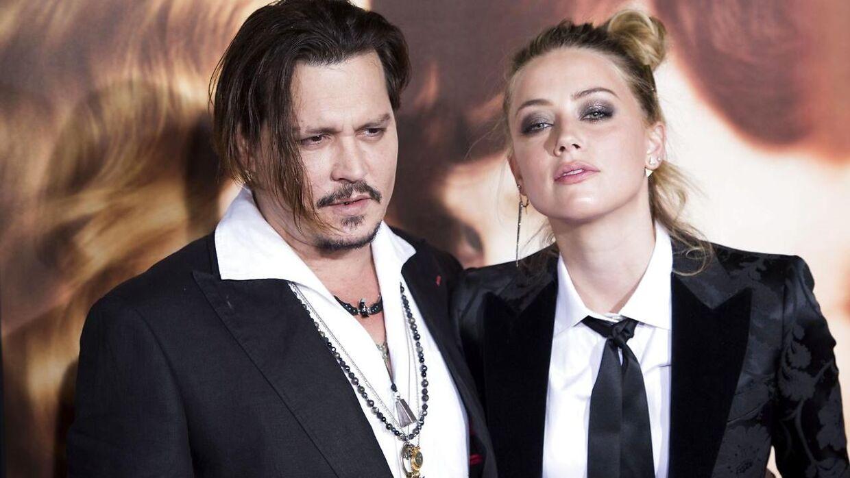 Johnny Depp og Amber Heard i november 2015. De blev skilt i 2017 og har været i strid med hinanden siden. (Arkivfoto/Scanpix)