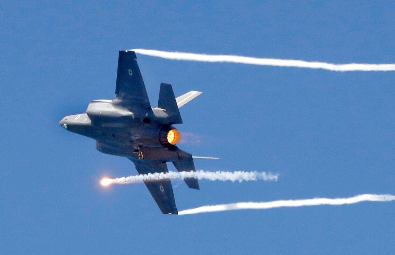 Danmark har bestilt 27 nye kampfly af typen F-35. Onsdag eftermiddag får borgerne i Skrydstrup og omegn mulighed for at opleve støjniveauet ved en demonstrations-flyvning med to F-35 jagere udlånt af det norske luftvåben.