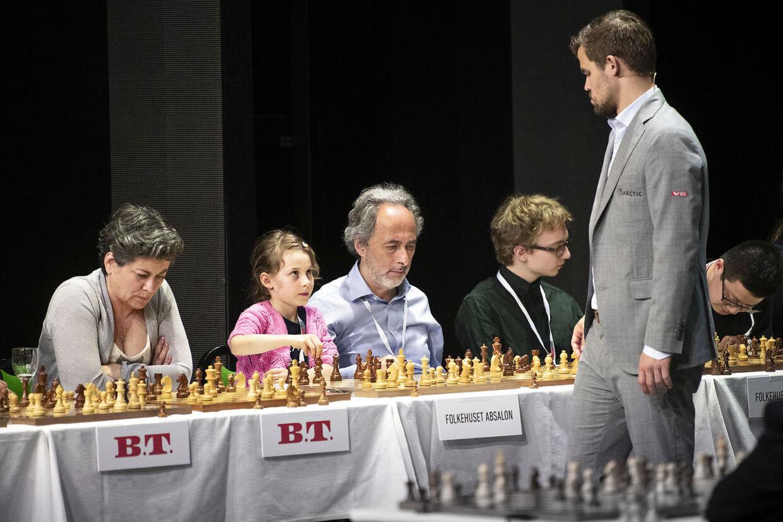 Energi Danmark Champions Battle - Magnus Carlsen skakkens Mozart i Cirkusbygningen hvor han spiller simultanskak og også spiller mod den 14-årige danske skakkomet Jonas Buhl Bjerre. Onsdag 22. Maj 2019