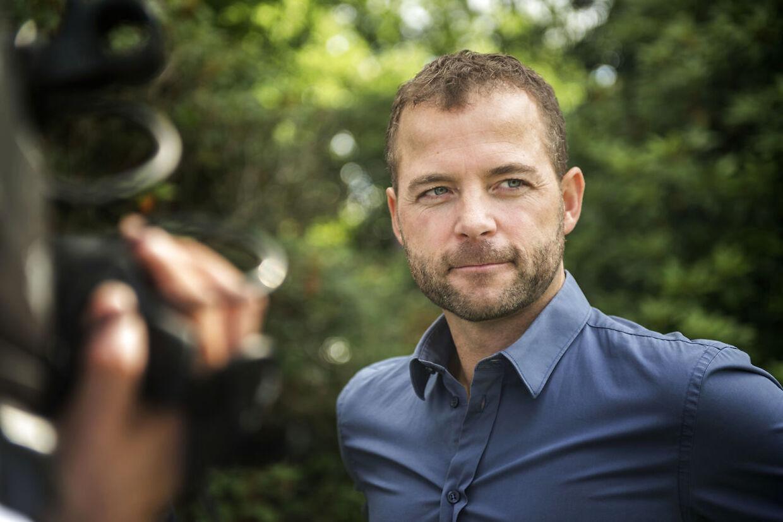 Morten Østergaard beskylder Mette Frederiksen for at ville udøve religiøs diskrimination.