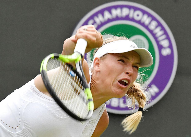 Caroline Wozniacki i aktion under sidste års Wimbledon-turnering.