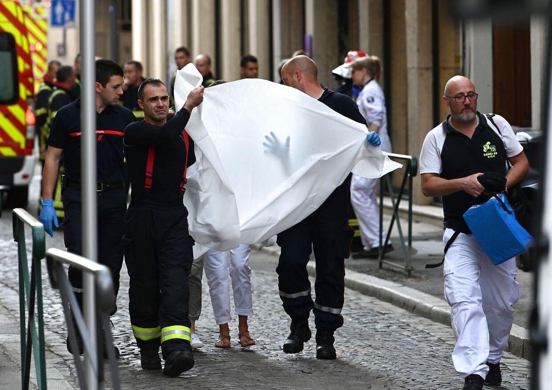 To personer skulle være kommet alvorligt til skade i eksplosionen.