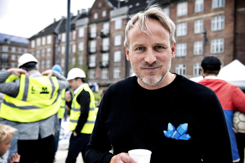Skuespiller Rasmus Botoft var også nede og se den nye metrostation.