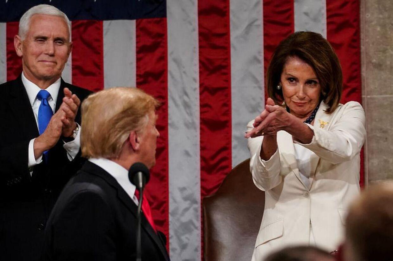 Mange mente, at Nancy Pelosi sendte en klar besked til Donald Trump, da hun efter præsidentens store State of the Union-tale klappede.
