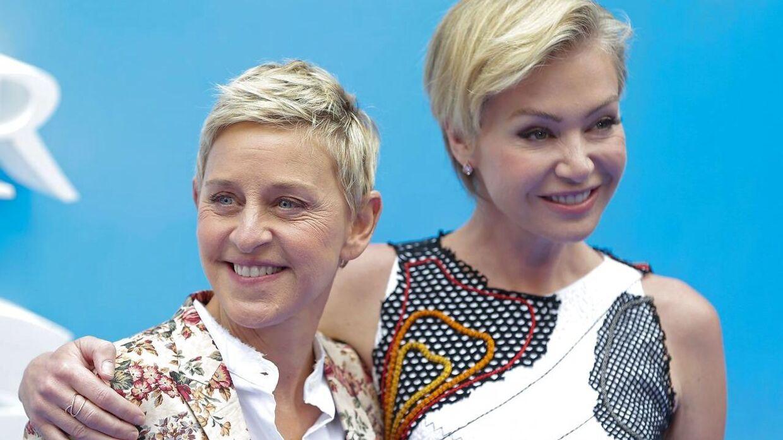 Tv-værten Ellen DeGeneres og skuespillerinden Portia de Rossi flytter til Beverly Hills.
