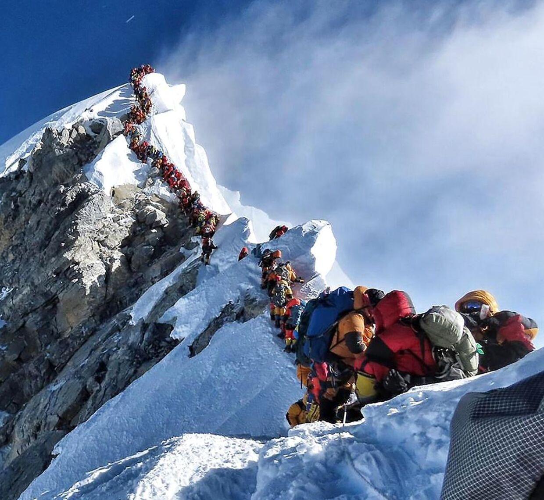 Her ses køen på vej til toppen den 22. maj.
