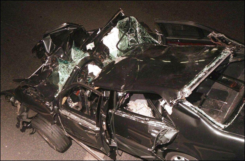 Billedet af den bil, prinsesse Diana omkom i.