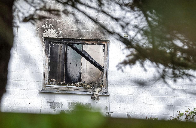 To personer er fundet døde i en villa i Blåvand efter brand. Sagen efterforskes som et mistænkeligt forhold, oplyser Syd- og Sønderjyllands Politi tirsdag.