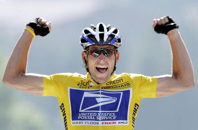 Syv gange endte Lance Armstrong øverst på podiet i Paris. Alle sejrene er taget fra ham i dag.