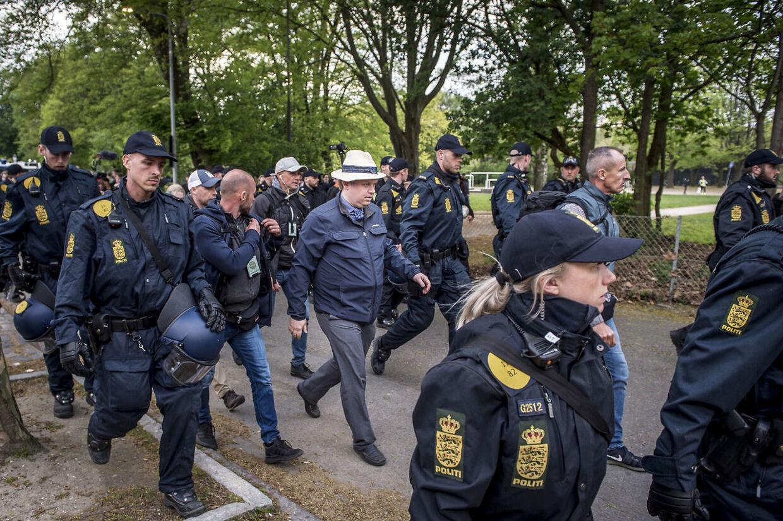 Rasmus Paludan forlader sin demonstration i Fælledparken i København, onsdag den 1. maj 2019. (Foto: Mads Claus Rasmussen/Ritzau Scanpix)