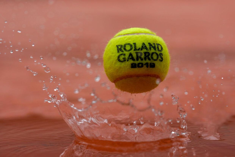 Regnvejr drillede længe arrangørerne så meget, at al tennis blev aflyst og udsat ved 16.30-tiden i French Open onsdag. Kenzo Tribouillard/Ritzau Scanpix