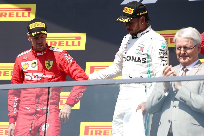 Lewis Hamilton tilbød i forbindelse med præmieceremonien, at Sebastian Vettel også kunne komme op på det øverste podie.